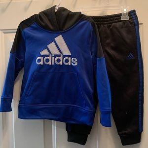 3T Adidas sweatsuit